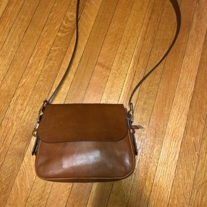 BRAND NEW FOSSIL LEATHER CROSSBODY BAG